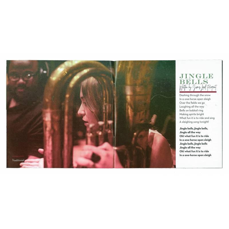 Lauren Daigle Christmas.Behold A Christmas Collection Lauren Daigle Audio Cd